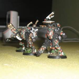 Tau Empire XV25 Stealth Suit Team